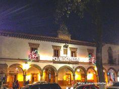 Iluminación del Ayuntamiento de Pátzcuaro durante las Vacaciones de Fin de Año.