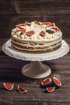 Taky už přemýšlíte, kdy bude nejbližší příležitost tento báječný dort upéct?; Eva Malúšová Christmas Inspiration, Food And Drink, Christmas Decorations, Sweets, Baking, Gardening, Drinks, Ideas, Mascarpone