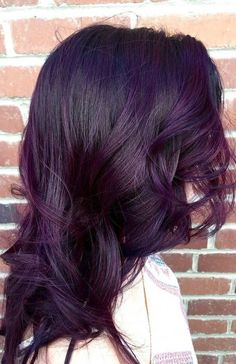 """29 Dark Purple Hair Colour Ideas to Suit any Taste in 2019 Dark Purple Hair Colour Ideas Coloring in a unique color is a great way to make yourself known. This option is suitable for young """"seeking"""" nature. Dark Purple Hair Color, Lavender Hair Colors, Hair Color Shades, Ombre Hair Color, Cool Hair Color, Hair Colour, Purple Tinted Hair, Unique Hair Color, Purple Brown Hair"""