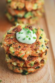 Crispy Vegetable Fritters with Avocado Yogurt Sauce - This recipe is packed with broccoli, carrots, and zucchini. Enjoy by dipping each appetizer bite into a delicious creamy sauce   jessicagavin.com