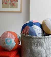 these balls could be made for playing in or out doors, even for party games, or maybe Halloween pumpkins with a stem ;)