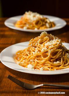 Receta de espagueti rojo. Con fotografías, consejos y sugerencias de degustación. Recetas de pastas y comida mexicana