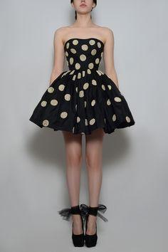 Silvia Bours - Polka Dots Dress,  (http://www.silviabours.com/polka-dots-dress/)