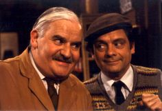 Ronnie Barker and David Jason - Open All Hours British Sitcoms, British Comedy, Great Comedies, Classic Comedies, Ronnie Barker, Open All Hours, David Jason, Queens Of Comedy, Are You Being Served