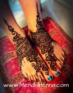 Mehndi for feet Tatoo Hindu, Mehndi Tattoo, Henna Mehndi, Henna Art, Henna Tattoos, Henna Canvas, Henna Designs Feet, Henna Tattoo Designs, Beautiful Henna Designs