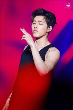Y-you shot me… Jay Song, I Miss U, Kim Hanbin, Yg Entertainment, Pop Group, South Korean Boy Band, Ikon, Boy Bands, Boyfriends