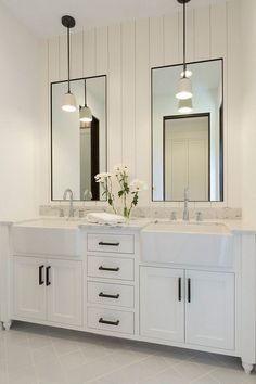 Bathroom shiplap wal