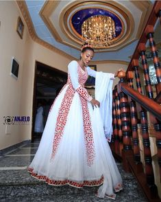 Everything about this picture says beautiful 💖💖 . Ethiopian Wedding Dress, Ethiopian Dress, Ethiopian Traditional Dress, Traditional Dresses, Modest Fashion, Blossoms, Everything, Wedding Ideas, Chic