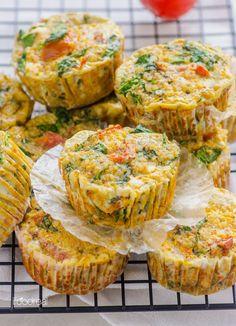Healthy Sundried Tomato, Spinach and Quinoa Egg Muffins. Healthy Sundried Tomato, Spinach and Quinoa Egg Muffins. Healthy Cooking, Healthy Snacks, Healthy Eating, Cooking Recipes, Yummy Snacks, Easy Egg Breakfast, Breakfast Recipes, Quinoa Breakfast, Breakfast Bites