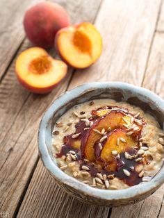 Almond Oatmeal with caramelized peach vegan, gluten-free, sugar-free Plant Based Breakfast, Dessert, Sugar Free, Caramel, Almond, Oatmeal, Peach, Gluten Free, Breakfast Ideas