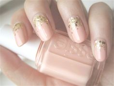 Nude pink with a hint of gold glitter? Perfect for the spring/summer!