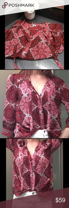 ❤Joie Blouse❤ I'm on the fence selling this because it was SO expensive and it is super cute! I just have not had the chance to wear it 😩so if you'd like to make an offer - go ahead - but please be fair.    Comes from a clean and smoke free home. NWOT Joie Tops Blouses
