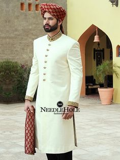 Latest Sherwani Designs For Men Wedding - Stylish Tips Sherwani For Men Wedding, Wedding Dresses Men Indian, Groom Wedding Dress, Sherwani Groom, Wedding Men, Gold Wedding, Bridal Dresses, Designer Kurtis, Indian Groom Dress