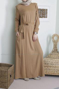 Styles De Hijab18 Abaya Fashion, Muslim Fashion, Modest Fashion, Fashion Dresses, Women's Fashion, Abaya Style, Hijab Style, Maxi Outfits, Hijab Outfit