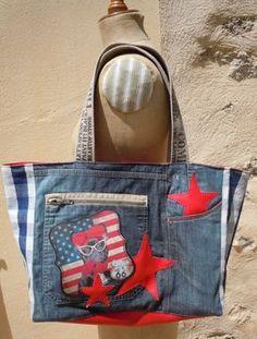Bonjour Un tout nouveau sac vraiment sympa , jeans et simili skaï une petite merveille ... Il est dèjà vendu mais je tenais quand même à vous le montrez car il y en aura d'autres Bonne soirée Annecath