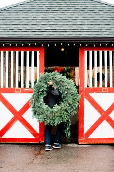 Holiday doors at Hillenmeyer Christmas   <Leslee Mitchell Photography>