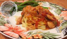 Poulet à la cacciatore à la mijoteuse – Au bout de la langue Chow Mein Au Poulet, Slow Cooker Recipes, Crockpot, Cabbage, Pizza, Chicken, Meat, Vegetables, Cooking