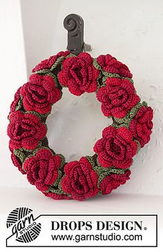 Christmas in Bloom ~ free pattern ᛡ . . . . .Would also be lovely in soft colors for Spring : )