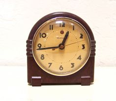 Etsy Vintage Telechron electric clock, $44.99.  I am in love with the look of this clock.