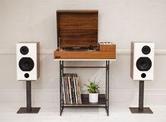 Wrensilva-Loft- -Monitors-stereo-console-(3)