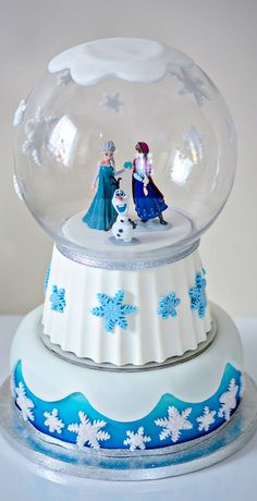 Frozen snow globe cake I made for my Nieces Birthday party Frozen Theme Cake, Disney Frozen Cake, Disney Cakes, My Birthday Cake, Frozen Birthday Party, Cinderella Birthday, Birthday Ideas, Fancy Cakes, Cute Cakes