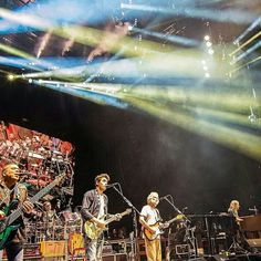 And just like that, the summer tour is in the books. Thank you, each and every one of you, for the real good time.@deadandcompany #deadandcompany #DeadAndCo #deadandcompanytour2016🍷😎🎼🎸 #summer2016🌞