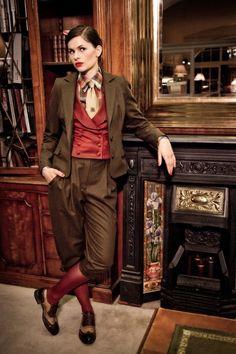 ixdoxdeclare:  fringefashion:  Lena Hoschek A/W 2010  ohh beautiful clothes~
