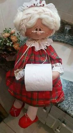 Funny dolls-holders for toilet paper. Pattern and master class! Doll Crafts, Sewing Crafts, Sewing Projects, Projects To Try, Bathroom Crafts, Soft Dolls, Soft Sculpture, Fabric Dolls, Paper Dolls