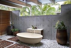 Check Out This Top 10 Astonishing Tropical Bathroom Ideas   ➤To see more Luxury Bathroom ideas visit us at www.luxurybathrooms.eu #luxurybathrooms #homedecorideas #bathroomideas @BathroomsLuxury