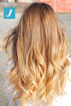 Biondo di stile. Il sole e il Degradé Joelle baciano i capelli. #cdj #degradejoelle #tagliopuntearia #degradé #welovecdj #igers #naturalshades #hair #hairstyle #haircolour #haircut #fashion #longhair #style #hairfashion