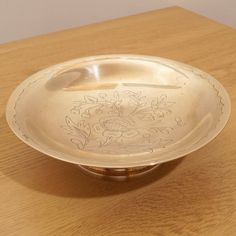 Vintage solid brass small size bowl / tray / plate || hammered hand made || floral pattern / design by UKAmobile on Etsy