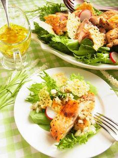 ハーブチキンとクロカンテ(チーズチップス)のごちそうサラダ by 庭乃桃   レシピサイト「Nadia   ナディア」プロの料理を無料で検索