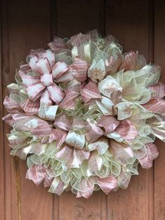 Victorian Christmas Wreath - Rose/Pink, Cream and Gold - Christmas Christmas Mesh Wreaths, Deco Mesh Wreaths, Fall Wreaths, Christmas Decorations, Christmas Ideas, Ribbon Wreaths, Christmas Mantles, Christmas Inspiration, Door Wreaths