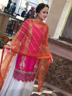 Dress Neck Designs, Blouse Designs, Choli Designs, Pakistani Outfits, Indian Outfits, Embroidery Suits Punjabi, Embroidery Dress, Trendy Suits, Indian Designer Suits