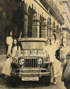Manila -London Express Lotis Key endorssed Sarao Jeepney in London to promote The Philippine Tourisn Industry Philippines Tourism, Philippines Culture, Manila Philippines, Filipino Art, Filipino Culture, Old Photos, Vintage Photos, Filipino Fashion, Philippine Fashion