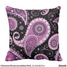 Schwarzes Kissen mit pinkem Paisleymuster