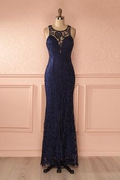 Nilia Saphir #Boutique1861 / A maxi navy dress with a simple open-back proves a good taste ! #promdresses #bridesmaids