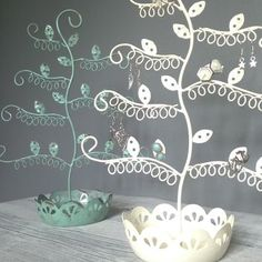 £14.50 with p+p Earring Stand And Trinket Bowl Cream Or Blue Flower