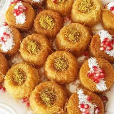 Visit our site for the recipe. Dessert Recipes, Dinner Recipes, Desserts, Yummy Recipes, Gram Of Sugar, Honey Syrup, Good Food, Yummy Food, Non Stick Pan