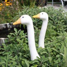 """Gartenstecker Gänsehals """"3 Keramik-Gänsehälse in weiß"""" das Original von Tangoo: Amazon.de: Garten 62$:"""