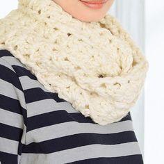 ボリューム感が素敵!秋冬をほっこりあったか*手編みのスヌードの作り方(ニット) | ぬくもり