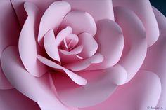 fleur géante en papier