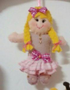 boneca de tranças em feltro