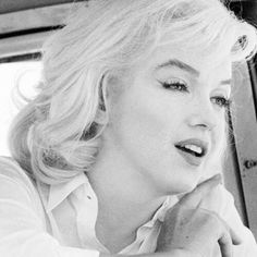 Marilyn during filming of The Misfits in 1960. #MarilynMonroe #NormaJeane