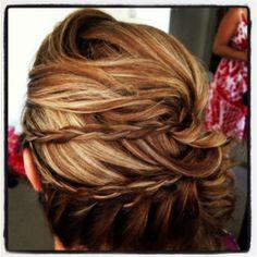 #weddinghair #bridalhair #sidebun #braidedhair Enquire today for hair an makeup #Brisbane #Goldcoast www.harpier.com