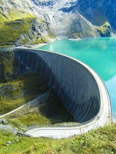 Kaprun Dam in Zell am See - Salzburg, Austria - Urlaub - Abenteuerreisen Visit Austria, Austria Travel, Places To Travel, Places To See, Travel Destinations, Zell Am See, Stations De Ski, Future Travel, Travel Inspiration