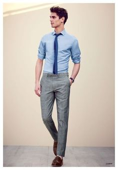 + Ideas for Business Casual Men Outfits You Can Wear Every Day young professional in pale blue shirt, with rolled sleeves and a blue tie, wearing smart grey trousers, business casual attire, with brown leather shoes Business Casual Hombre, Business Casual Herren, Business Casual Attire, Business Outfits, Business Fashion, Business Mode, Dresscode Smart Casual, Style Casual, Men Casual