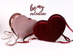 Artículos similares a mauve or burgundy velvet heart bag en Etsy Luxury Purses, Luxury Handbags, Purses And Handbags, Clutch Bag, Crossbody Bag, Cute Headphones, Kawaii Bags, Velvet Heart, Bead Embroidery Jewelry