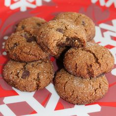 *Chewy, Vegan, Gluten-Free Gingerbread Cookies (make w buttercream frosting to make whoopie pies!)