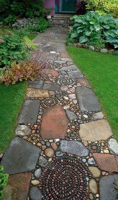 How to Make a Pebble Mosaic - house crush.ideas for our next home - How to Make a Pebble Mosaic Mixed material mosaic walkway.